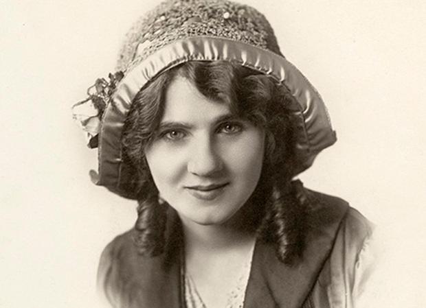 florence-lawrence-1908-portrait